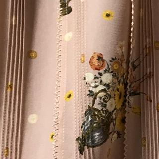 カネコイサオ(KANEKO ISAO)のカネコイサオ 花瓶 花柄 ポリエステル 美品 ピンタック ワンピース シンプル(ロングワンピース/マキシワンピース)