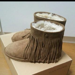 クーラブラ(Koolaburra)のクーラブラコラボブーツ  新品未使用(ブーツ)