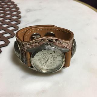 ケイシイズ(KC,s)のKC's ピンクパイソン 腕時計 コンチョタイプ(腕時計)