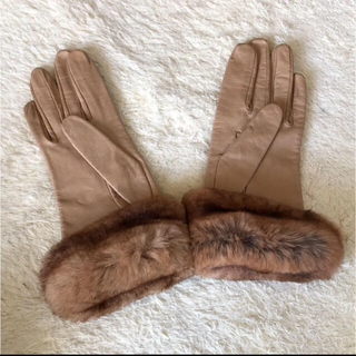 トゥモローランド(TOMORROWLAND)の☆SM iTH様専用☆TOMORROWLAND グローブ 一度使用(手袋)