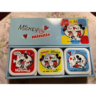ディズニー(Disney)の新品未使用 ミッキー&ミニー保存容器3個組み(容器)