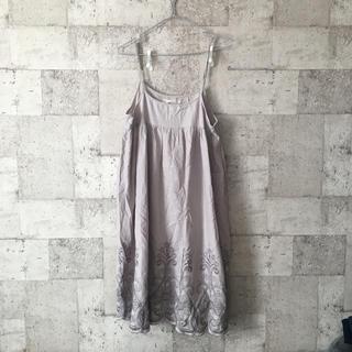 シュカグローバルワーク(shuca GLOBALWORK)のshuca 裾刺繍ワンピース(ひざ丈ワンピース)