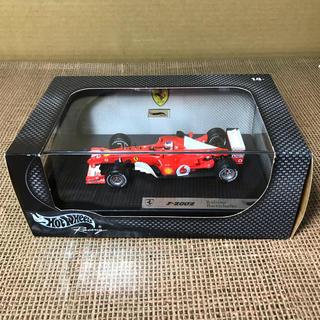 フェラーリ(Ferrari)のホットウィール1/43 ミニカー フェラーリ F-2002 ルーベンスバリチェロ(ミニカー)