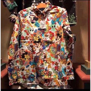 ディズニー(Disney)のディズニーリゾート 新品 入手困難 人気 売り切れ シャツ 柄 派手 限定(シャツ/ブラウス(長袖/七分))