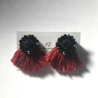 ガラスビーズ刺繍ピアス red(ピアス)