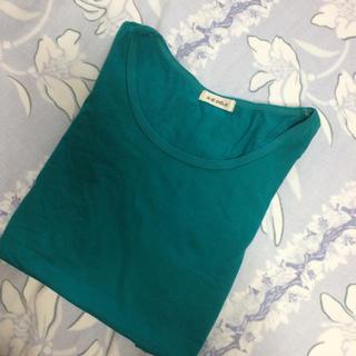 エージープラス(a.g.plus)のパフスリーブ袖シャツ  グリーン(Tシャツ(半袖/袖なし))