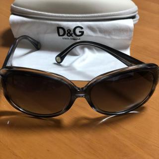 ディーアンドジー(D&G)のD&Gのレディースサングラスです。(サングラス/メガネ)