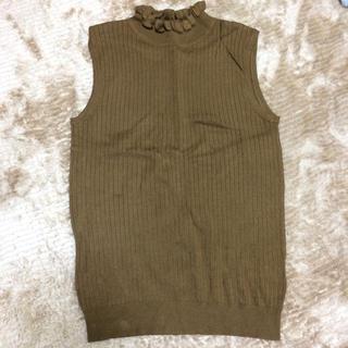 ジーユー(GU)のニットノースリーブ(カットソー(半袖/袖なし))