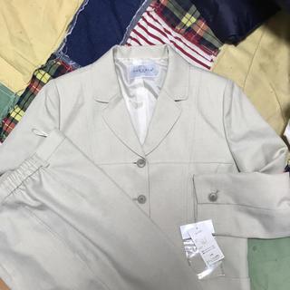シマムラ(しまむら)のベージュのパンツスーツ(スーツ)