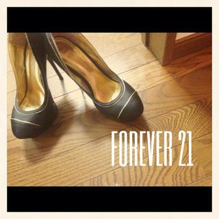 フォーエバートゥエンティーワン(FOREVER 21)のFOREVER21異素材パンプス(ハイヒール/パンプス)