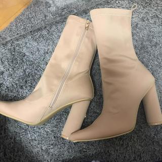 イエローブーツ(Yellow boots)のYELLO ベージュブーツ(ブーツ)