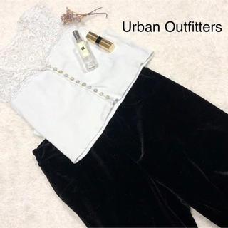 アーバンアウトフィッターズ(Urban Outfitters)の海外物レーストップス(タンクトップ)