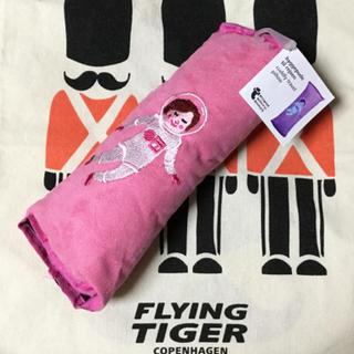 Flying Tiger Copenhagen - 【新品】シートベルト ベビーカー 抱っこ紐 装着可能な クッションピロー 枕