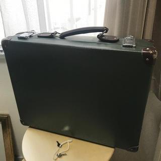 グローブトロッター(GLOBE-TROTTER)のグローブトロッター  アタッシュケース グリーン(ビジネスバッグ)