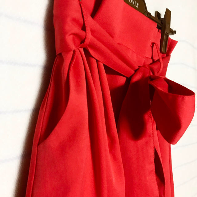 ByeBye(バイバイ)のレッドフレアスカート レディースのスカート(ひざ丈スカート)の商品写真