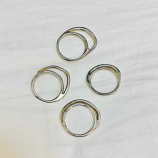 イオッセリアーニ(IOSSELLIANI)のイオッセリアーニ 8連リング4本(リング(指輪))