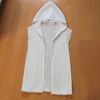 プリーツプリーズイッセイミヤケ(PLEATS PLEASE ISSEY MIYAKE)のプリーツプリーズ4白半袖パーカ(カーディガン)
