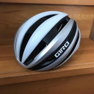 ジロ(GIRO)の美品!ジロ GIRO シンセ SYNTHE ヘルメット M マットホワイト(ウエア)
