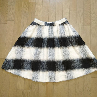 ジェイアンドエムデヴィッドソン(J&M DAVIDSON)の新品J&M DAVIDSON ウールスカート(ひざ丈スカート)
