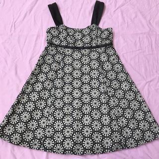 エミリーテンプルキュート(Emily Temple cute)のEmily Temple Cute ブラックラメリボン花刺繍(ひざ丈ワンピース)