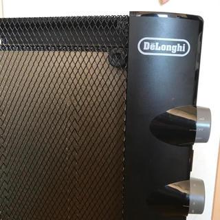 デロンギ(DeLonghi)のデロンギ★マイカパネルヒーター HMP900J-B(電気ヒーター)