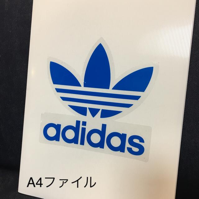 adidas(アディダス)の【新品】adidasステッカー  縦16.3 横16.7 インテリア/住まい/日用品の日用品/生活雑貨/旅行(その他)の商品写真