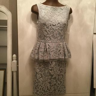 TADASHI SHOJI - タダシショージペパーミント色ペプラムワンピースドレス。