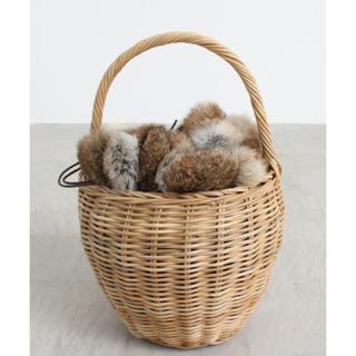 ネストローブ(nest Robe)のEARTH MADE WICKER ROUND BASKET かごバッグ ファー(かごバッグ/ストローバッグ)