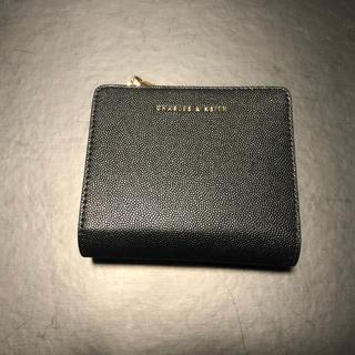 チャールズアンドキース(Charles and Keith)のチャールズアンドキースの二つ折り財布(財布)