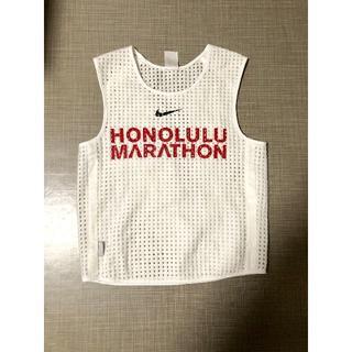 ナイキ(NIKE)のナイキ ランニング ランシャツ ノースリーブ ホノルルマラソン メンズ S(タンクトップ)