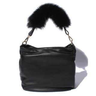 アナイ(ANAYI)の新品♡定価49,680円 アナイ  羊革×フォックスファー ショルダーバッグ 黒(ショルダーバッグ)