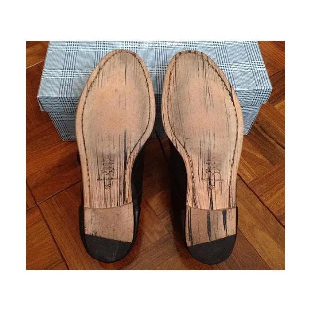 SHIPS(シップス)のSHIPSで購入 WHISTLE AND FLUTEの黒の革靴 美品 箱あり メンズの靴/シューズ(ドレス/ビジネス)の商品写真