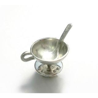 スープカップとスプーンのシルバーピンブローチ(コサージュ/ブローチ)