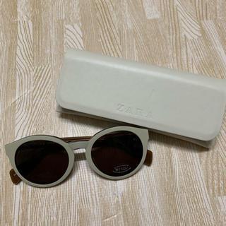 ザラ(ZARA)の新品 ZARA サングラス ホワイトフレーム(サングラス/メガネ)