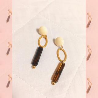 大振りピアス accessory