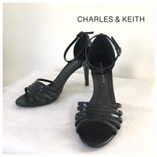 チャールズアンドキース(Charles and Keith)の【CHARLES & KEITH】新品・未使用 アンクルストラップ ピンヒール(サンダル)