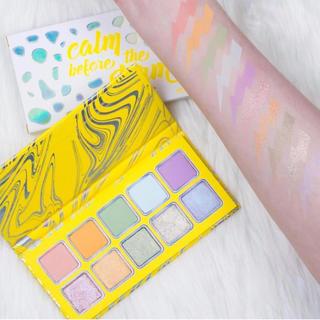 カイリーコスメティックス(Kylie Cosmetics)の【新品未使用】kyshadow☆kyliecosmetics(アイシャドウ)