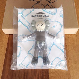 MEDICOM TOY - KAWS HOLIDAY フィギュア companion