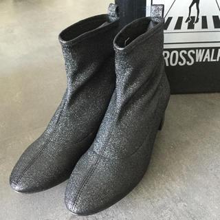アーバンアウトフィッターズ(Urban Outfitters)の新品正規品早い者勝ち‼️日本未入荷スペイン大人気ブランド クロスウォーク(ブーツ)
