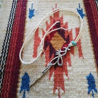 インディアン(Indian)のインディアンジュエリー ナバホ族 サンドキャスト シルバーネックレス 925(ネックレス)