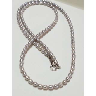 タサキ(TASAKI)の新品♠️艶々のナチュラルグレー淡水パール50㎝ ネックレス (silver)(ネックレス)