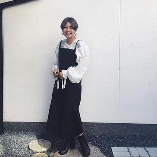 ジョンリンクス(jonnlynx)のbaserange キャンバスオーバーオールスカート(ひざ丈ワンピース)