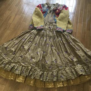 カネコイサオ(KANEKO ISAO)の小薔薇プリント裾、襟、袖口バルーン仕様綿ローンワンピース  ワンダフルワールド(ロングワンピース/マキシワンピース)