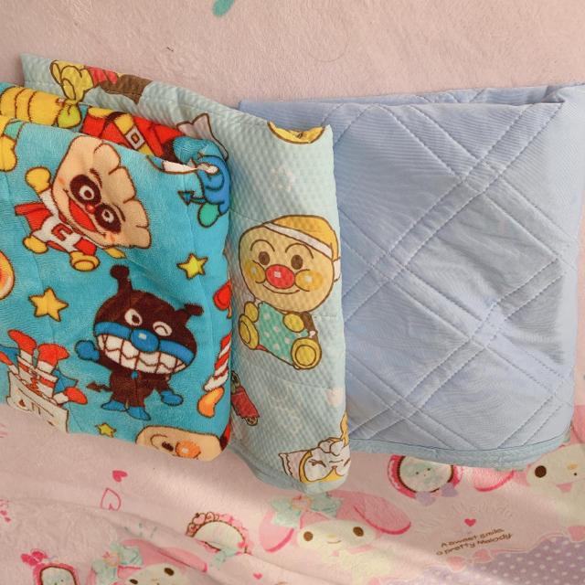 しまむら(シマムラ)の敷パット 3点セット インテリア/住まい/日用品の寝具(シーツ/カバー)の商品写真