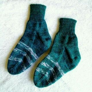 手編みの靴下☆ルームソックス☆グリーン(レッグウェア)