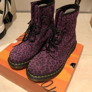 ドクターマーチン(Dr.Martens)の美品♡dr.martens♡UK8♡ヒョウ柄♡紫(ブーツ)