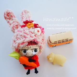 うさちゃん帽子の北欧の女の子ちゃん*ストラップ(あみぐるみ)