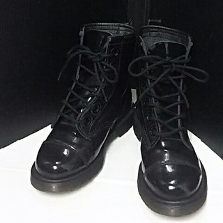 ドクターマーチン(Dr.Martens)の最値!希少モデル!ドクターマーチン高級エナメルレザー6ホールブーツ22(ブーツ)