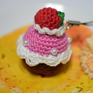 イチゴのチョコケーキ(あみぐるみ)