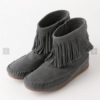 エミュー(EMU)のEMU エミュ フリンジブーツ グレー 新品未使用(ブーツ)